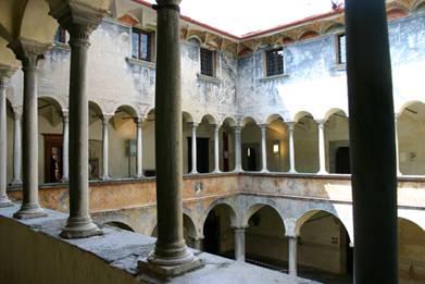 Palazzo Besta Cortile